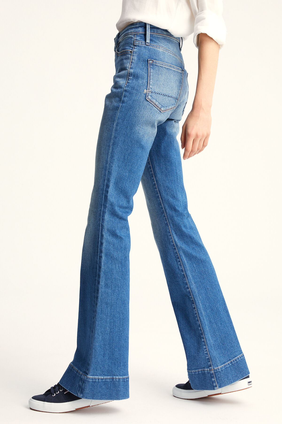 JANE Blue Authentic Denim - Flare Fit