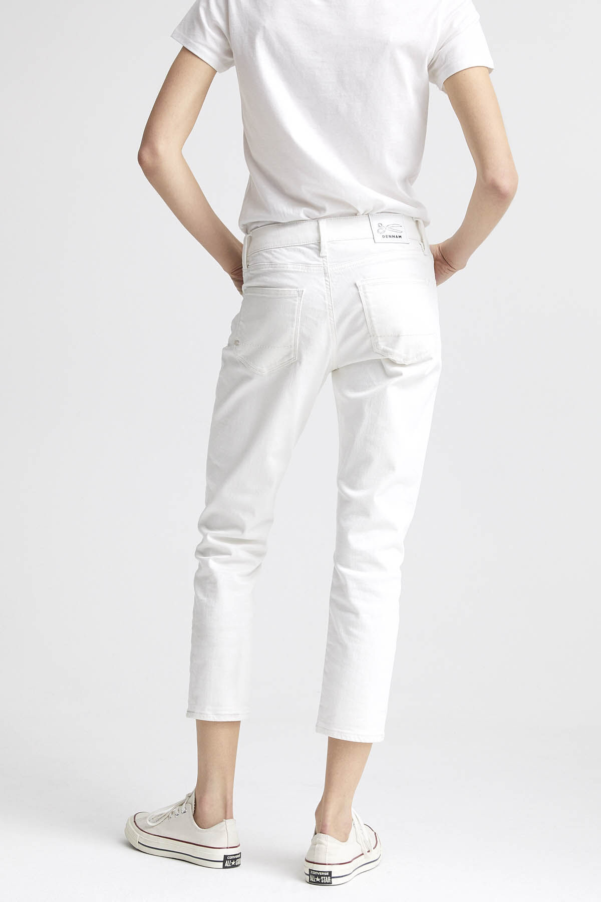 MONROE White Clean Finish Denim - Girlfriend Fit
