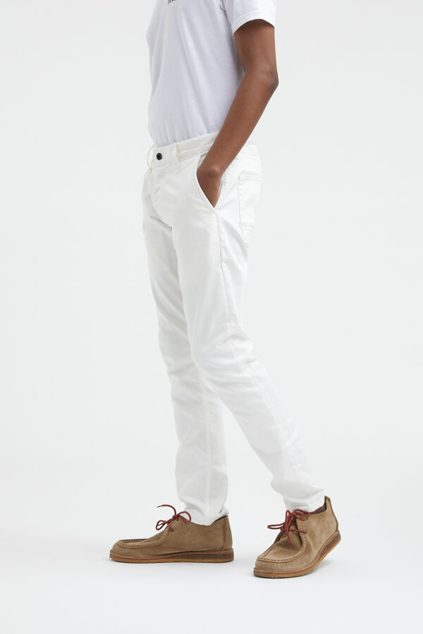 YORK White Clean Finish Denim - Slim, Tapered Fit