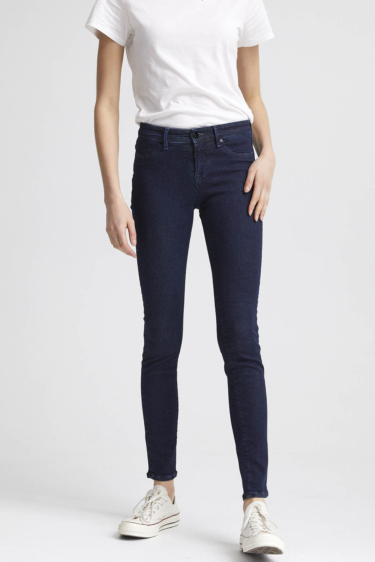 SPRAY Indigo Dipped Denim - Mid-rise Tight Fit