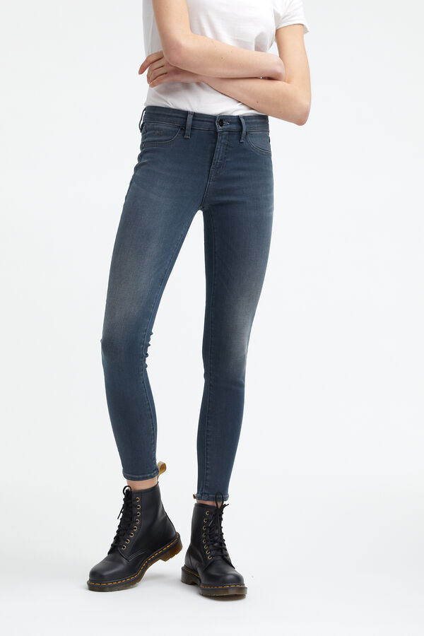 SPRAY Soft worn-in - Mid-rise, Tight Fit