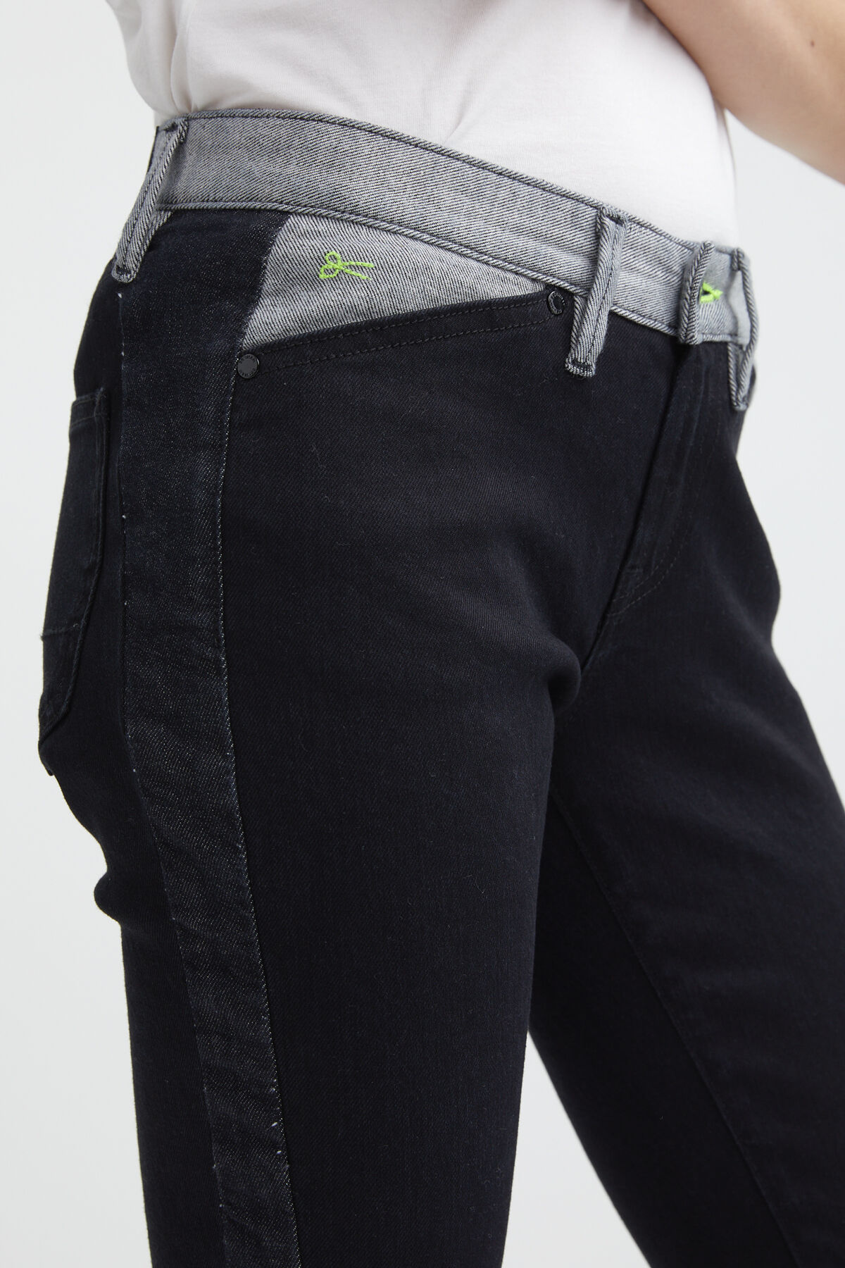 SPRAY ZIP 95MIX Black Eco-Denim - Mid-rise, Tight Fit