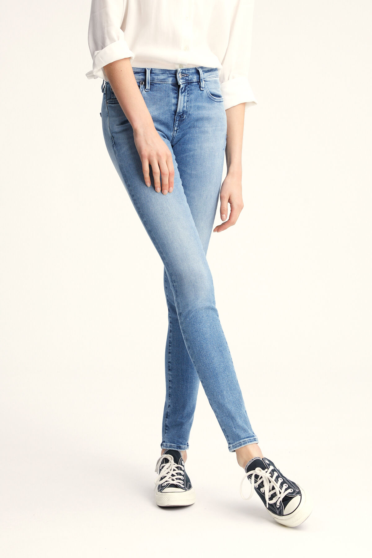 SPRAY Light, Fresh Blue Denim - Mid-rise, TIght Fit