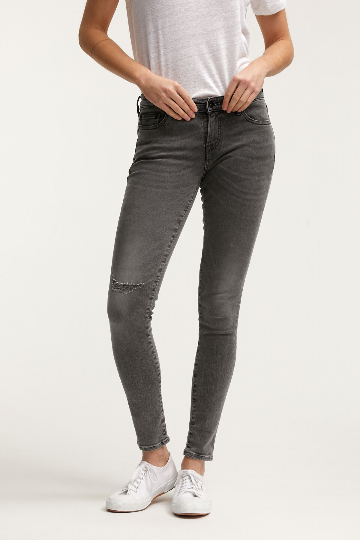 SPRAY Three-Year Grey  Denim  - Mid-rise, Tight FIt