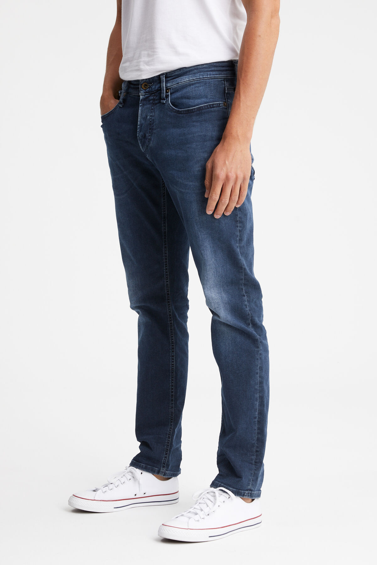 RAZOR Dark wash, light fade - Slim Fit