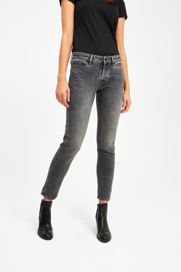 MONROE Heavy Fade, Black Denim - Girlfriend Fit