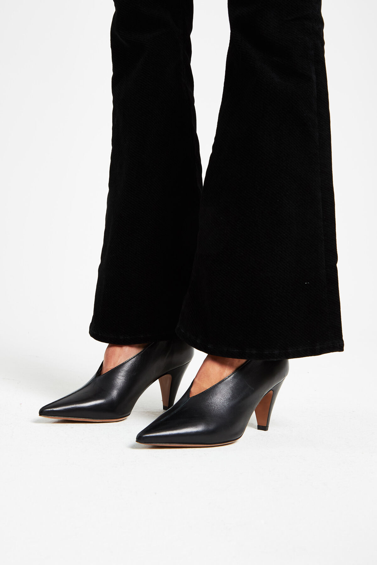FARRAH Black Twill Velour - Flare Fit