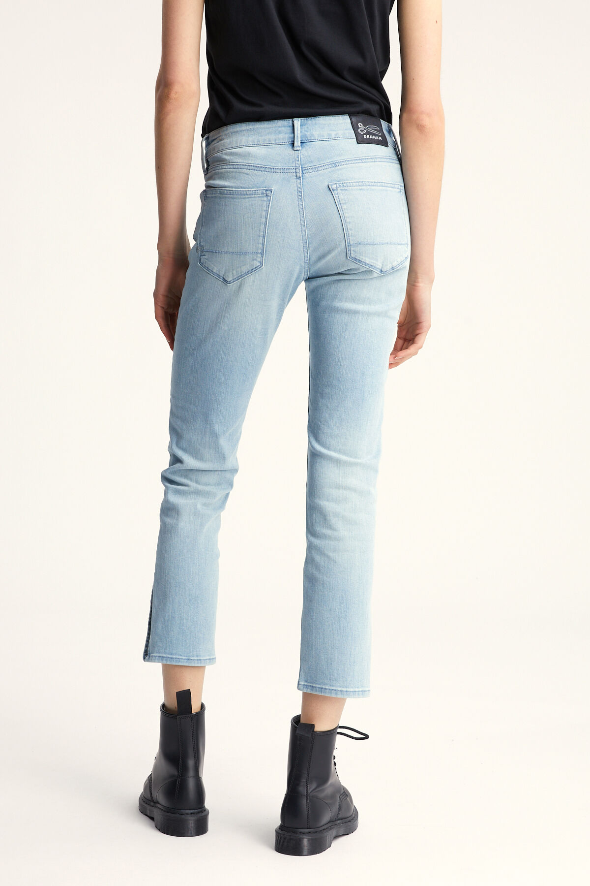 LIZ ANKLE Lightweight, Cool Blue Denim - Straight Fit