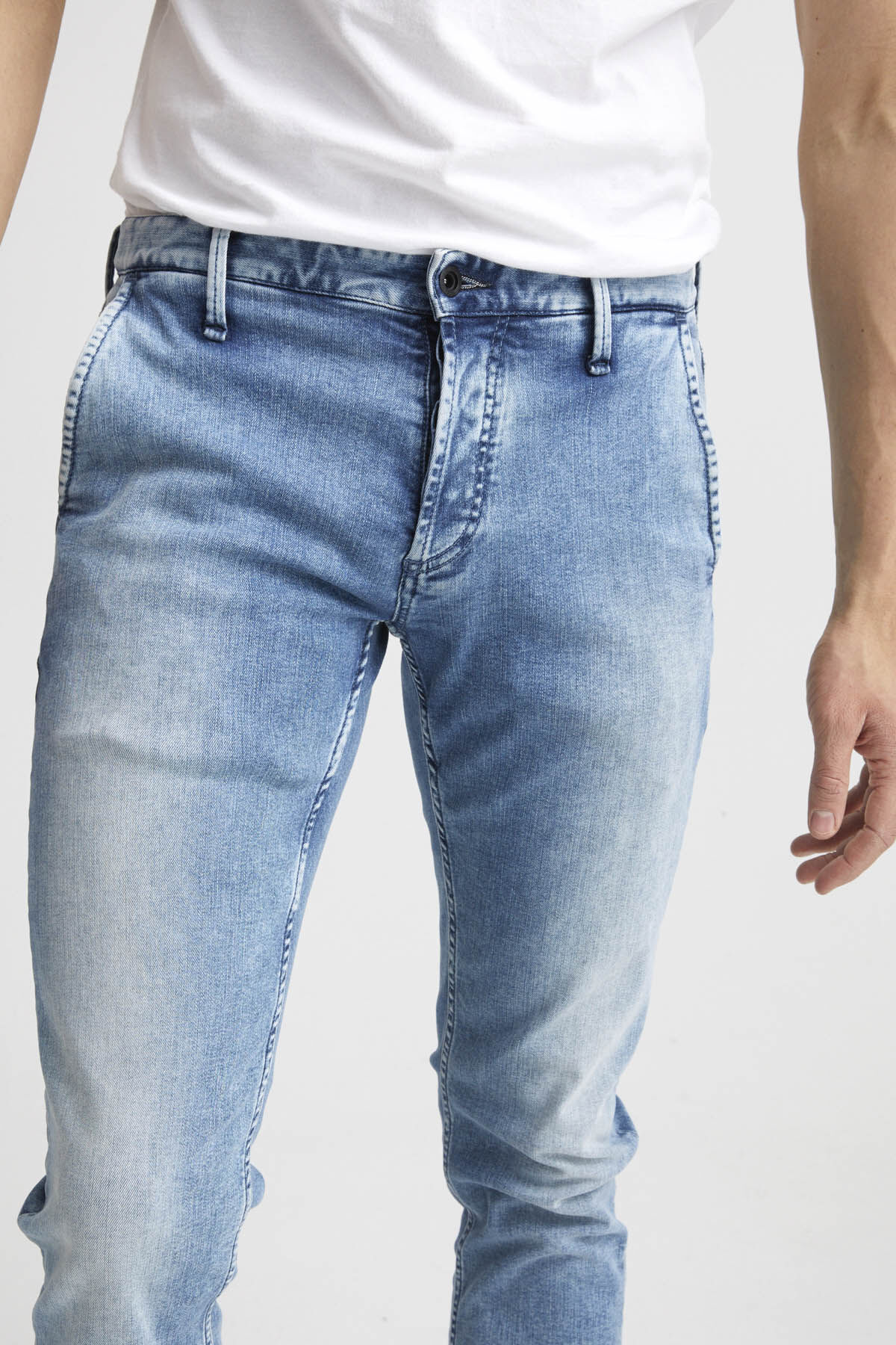 YORK Heavy Fade Denim - Slim Tapered Fit