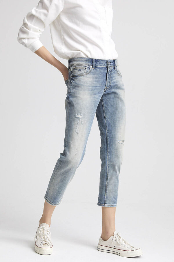 MONROE Ripped Denim - Girlfriend Fit