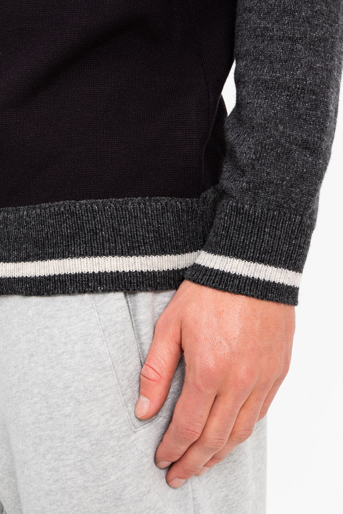 VARSITY CREW KNIT Tonal sleeves - Regular Fit