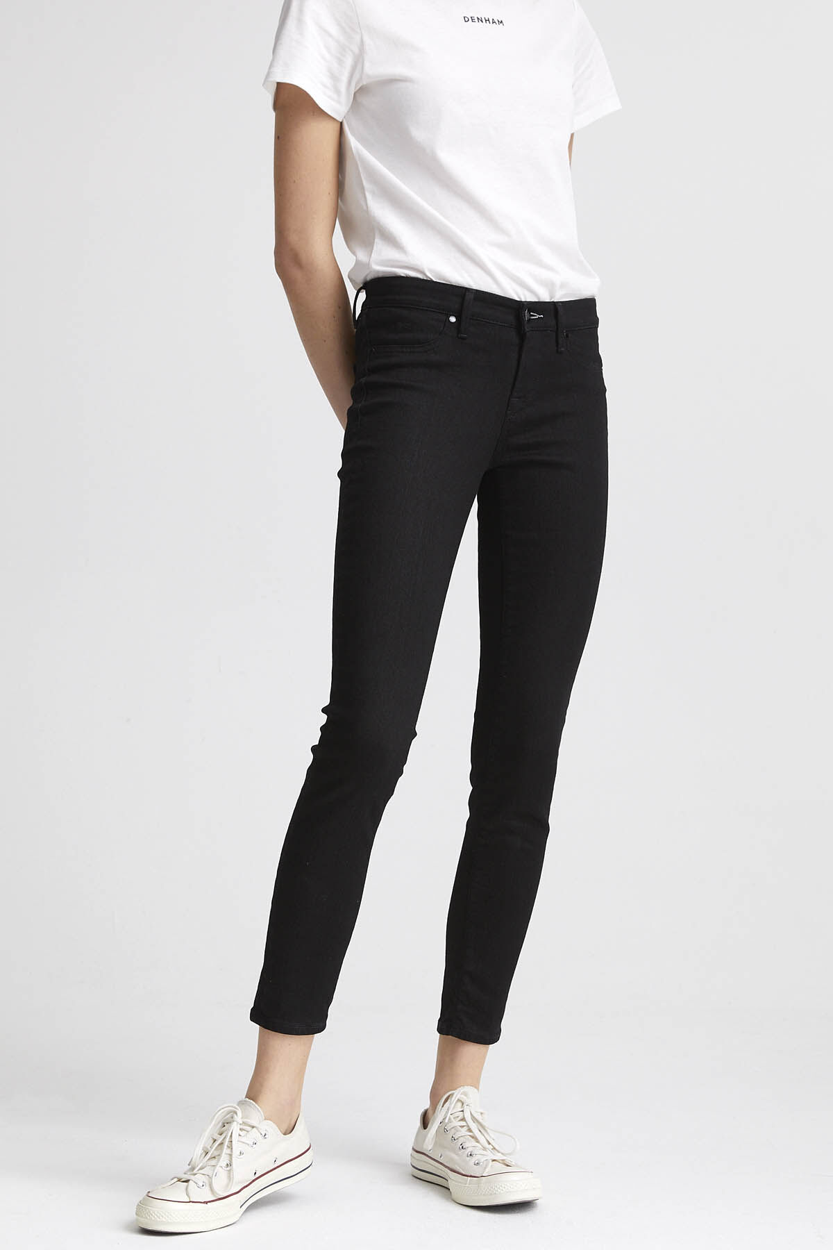 SPRAY Pure Black Finish Denim - Mid-rise, Tight Fit