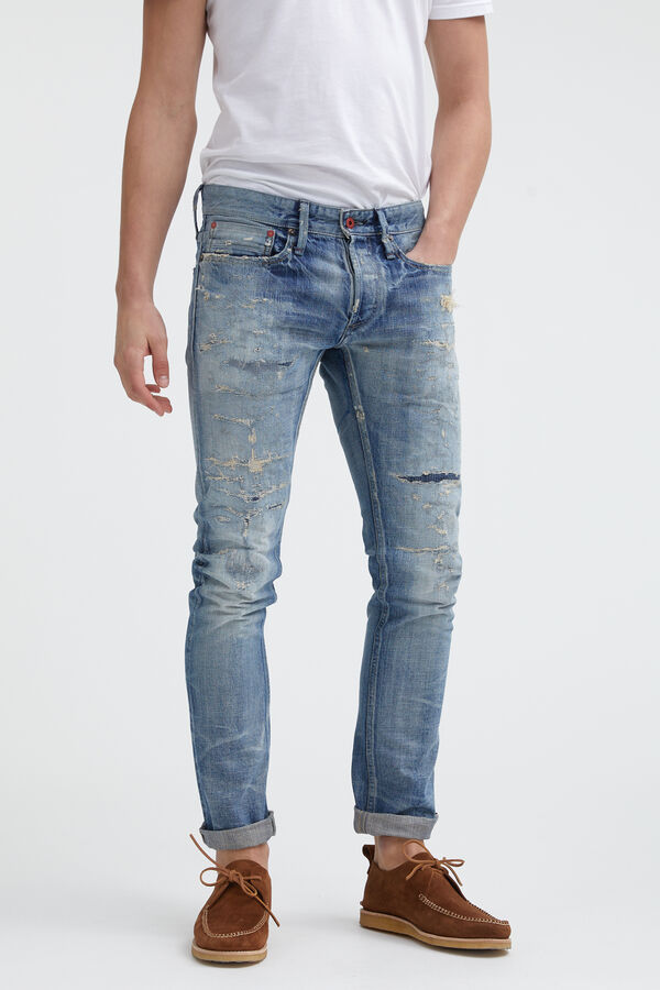 RAZOR Selvedge Distressed Denim - Slim Fit