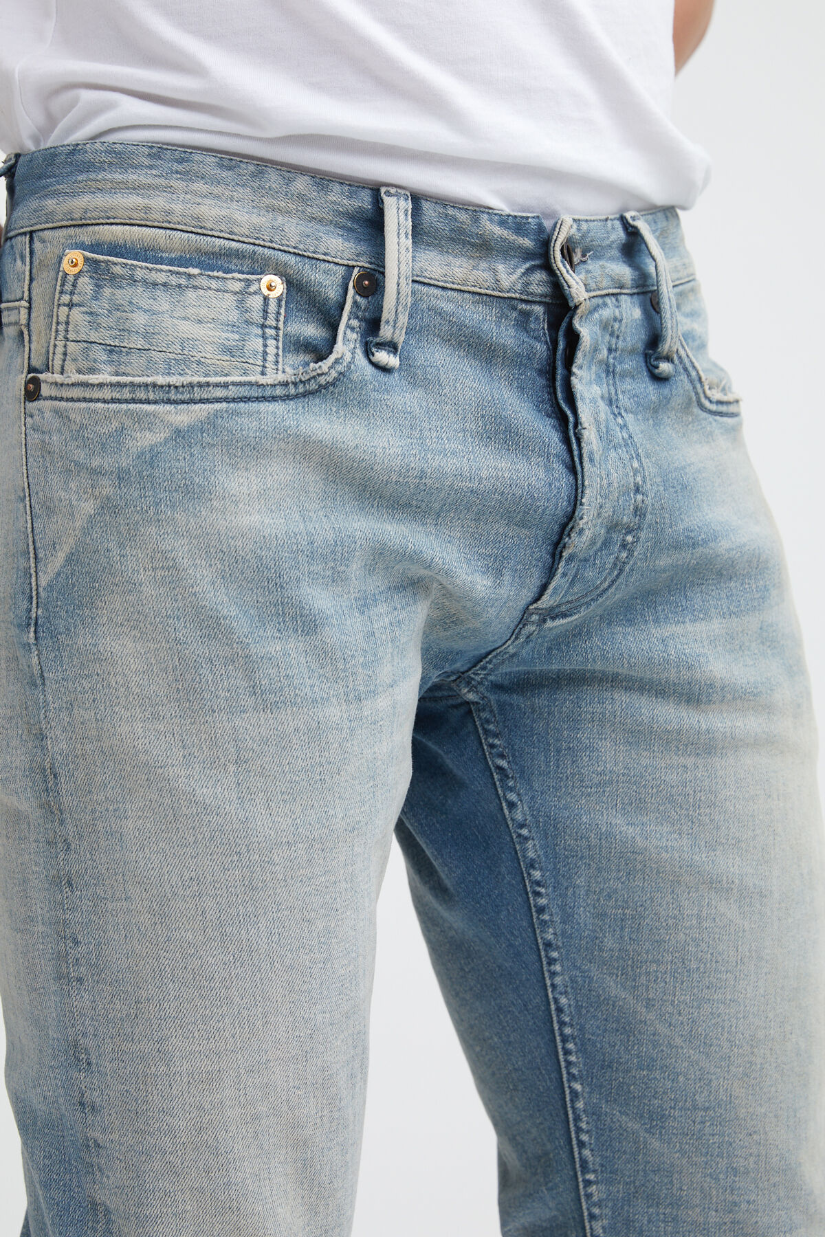 RAZOR Washed Selvedge Denim - Slim Fit