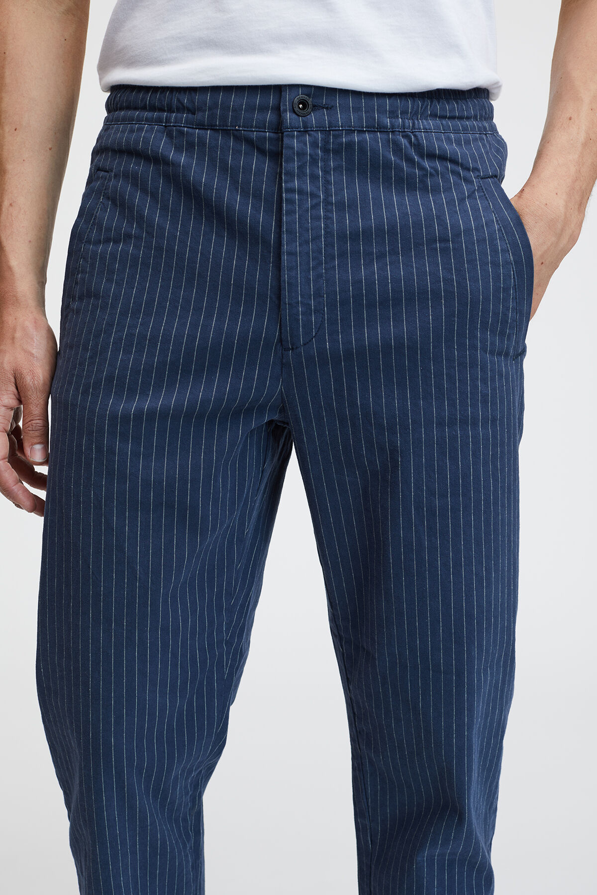 CARLTON TAILOR PANT COTTON STRETCH, NAVY PINSTRIPE FABRIC - Carrot Fit