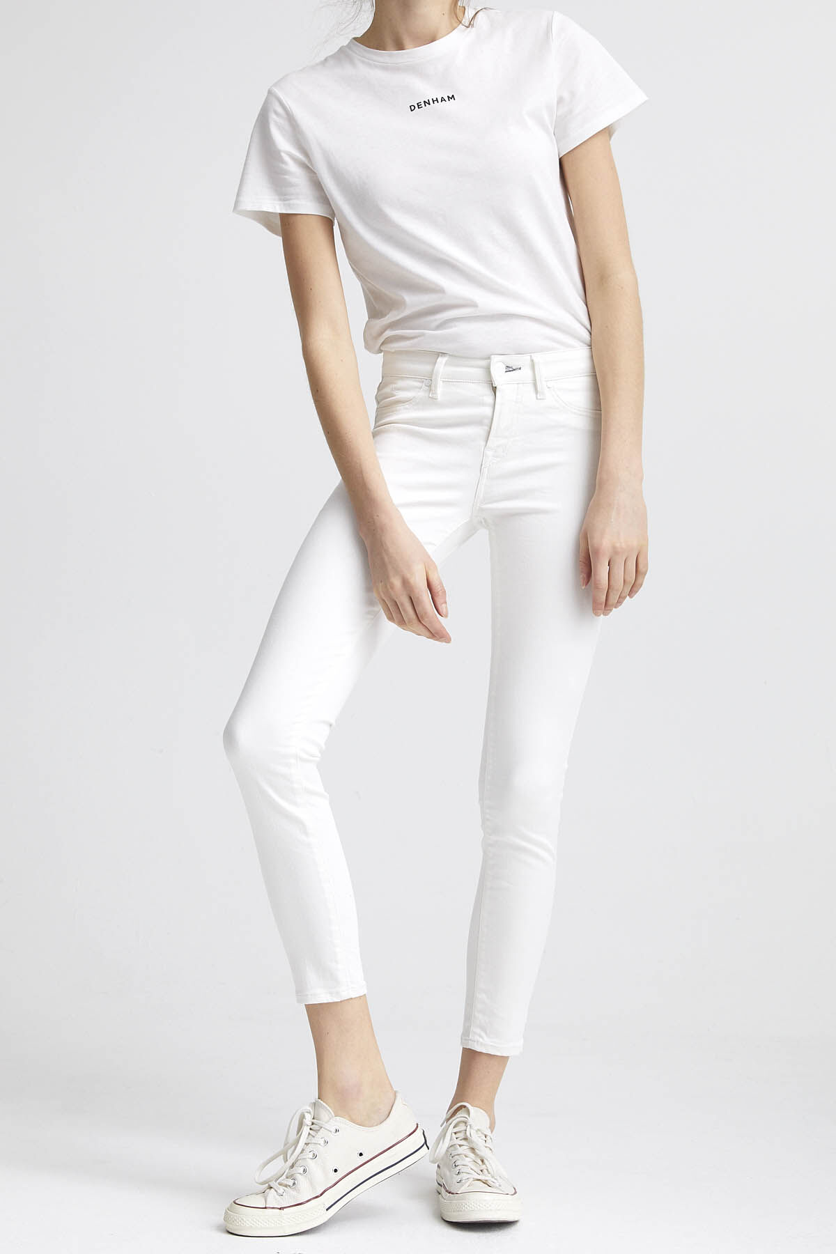 SPRAY White Clean Finish Denim - Mid-rise, Tight Fit