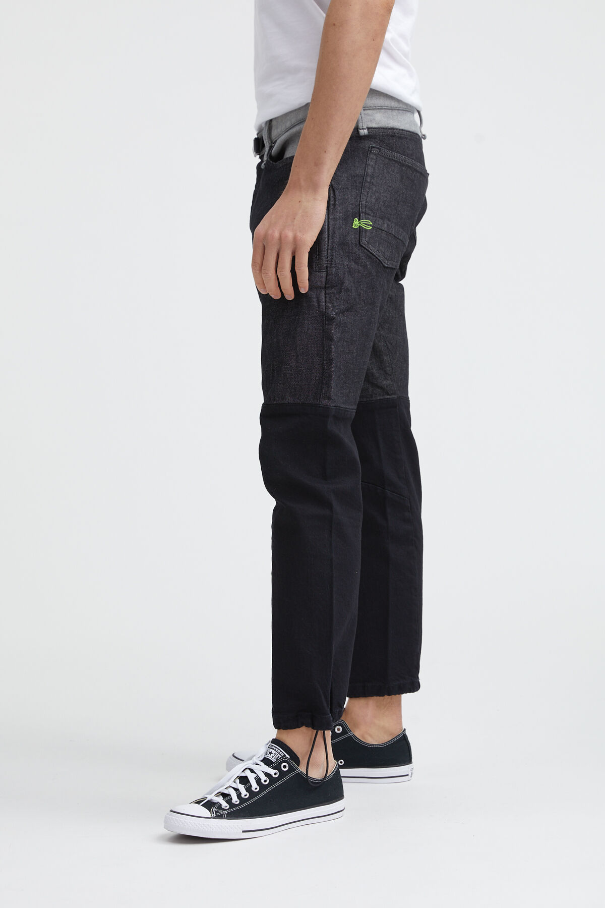 CROP ZIP 95MIX Black sustainable denim - Low Crotch, Cropped Fit