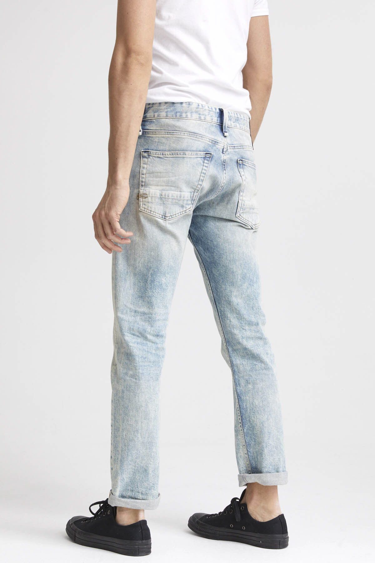 RAZOR Faded Signature Selvedge Denim - Slim Fit