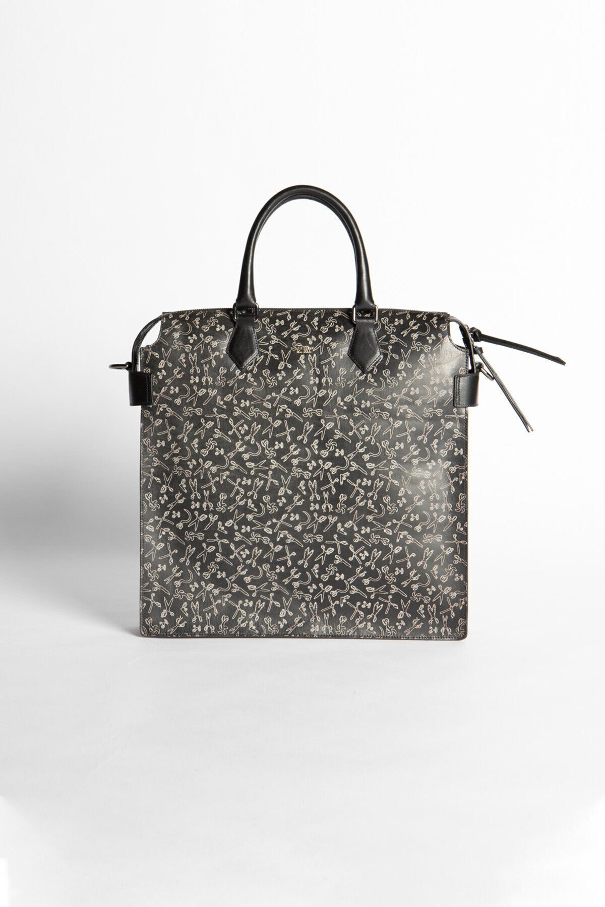ZIP TOTE BAG Scissor All-Over Print Leather