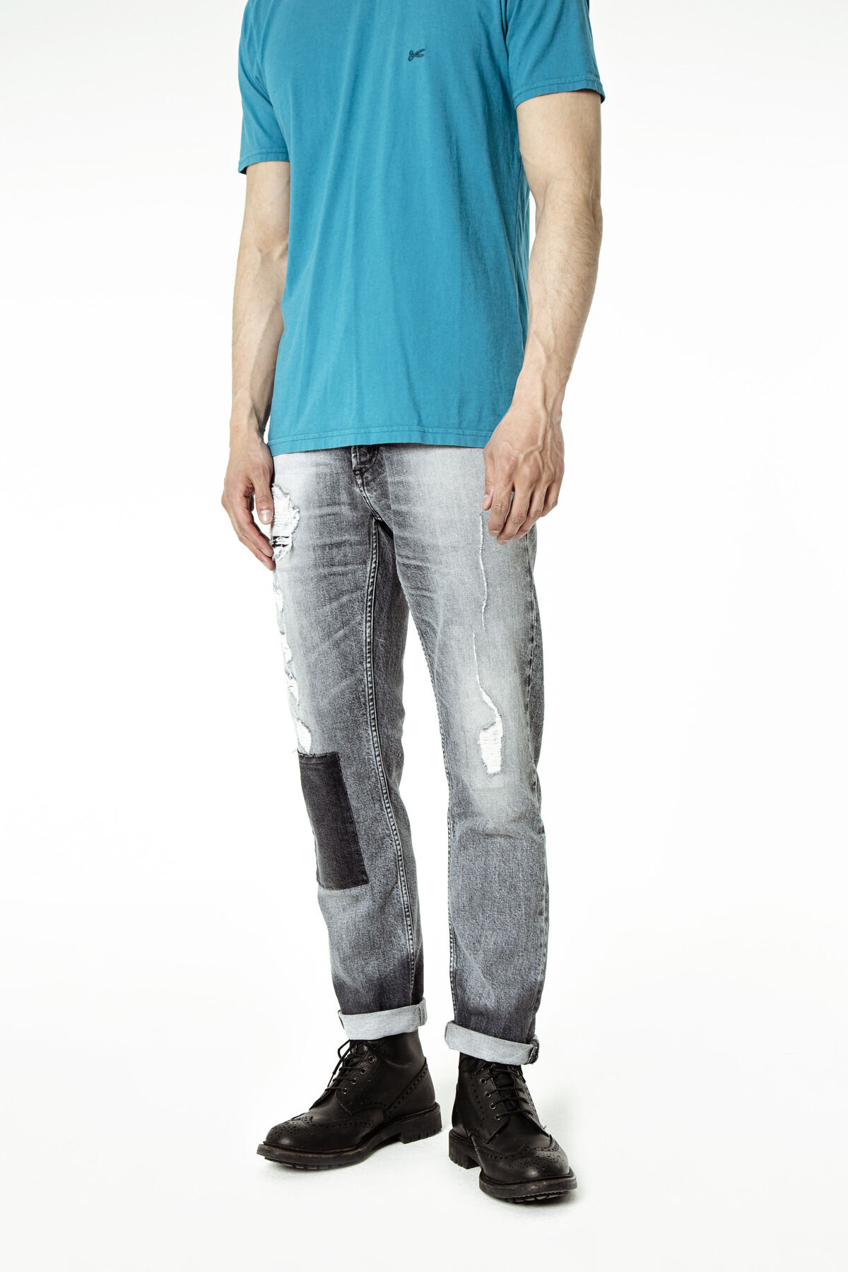 RAZOR Heavy Fade & Patchwork Denim - Slim Fit
