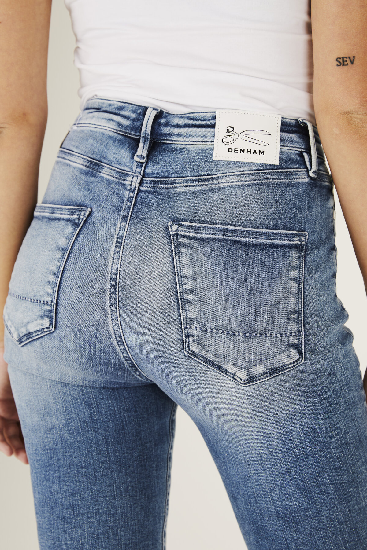 Needle - High-Rise Skinny Tight Fit Jeans - Detail