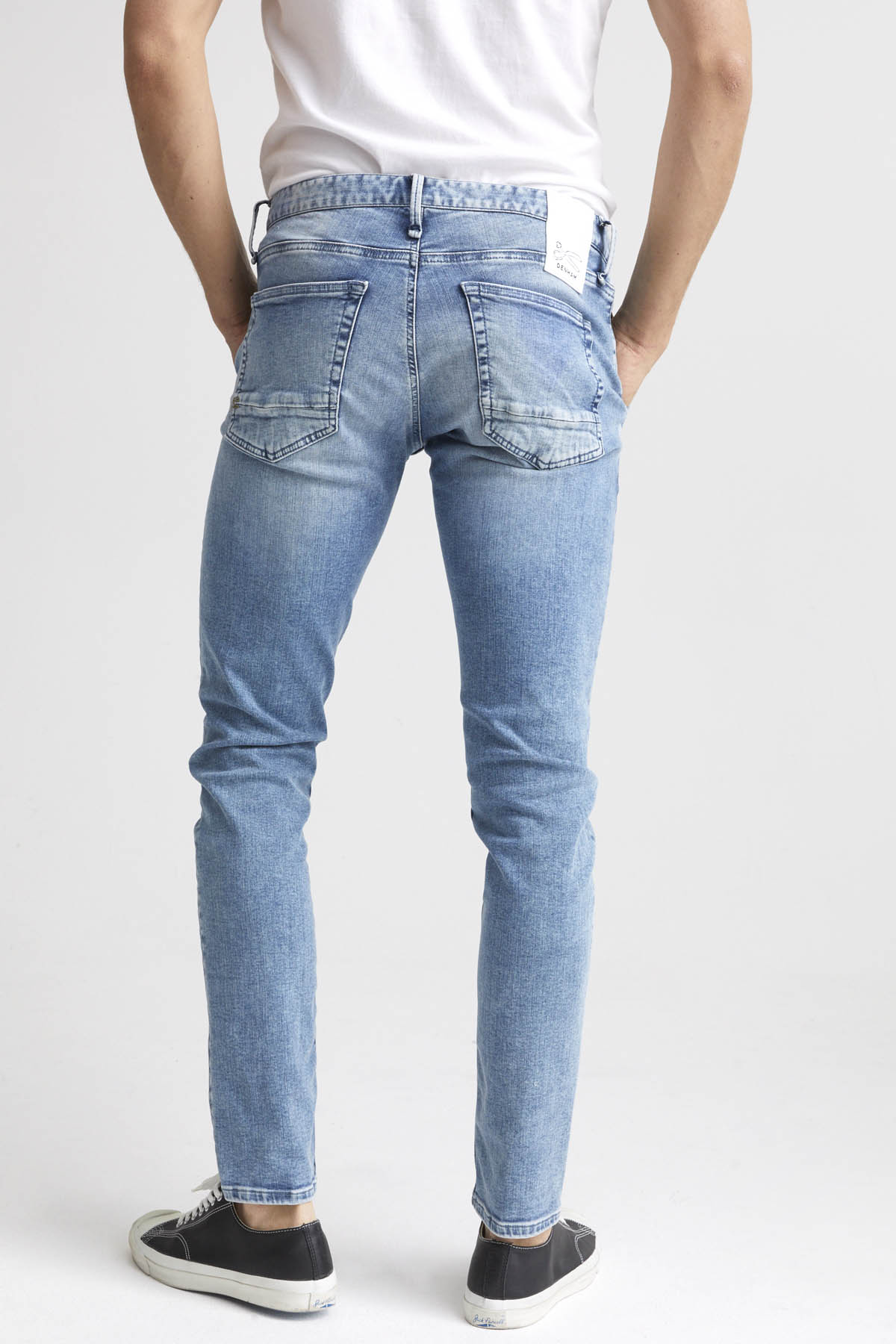 York - Slim Tapered Fit Jeans - Detail