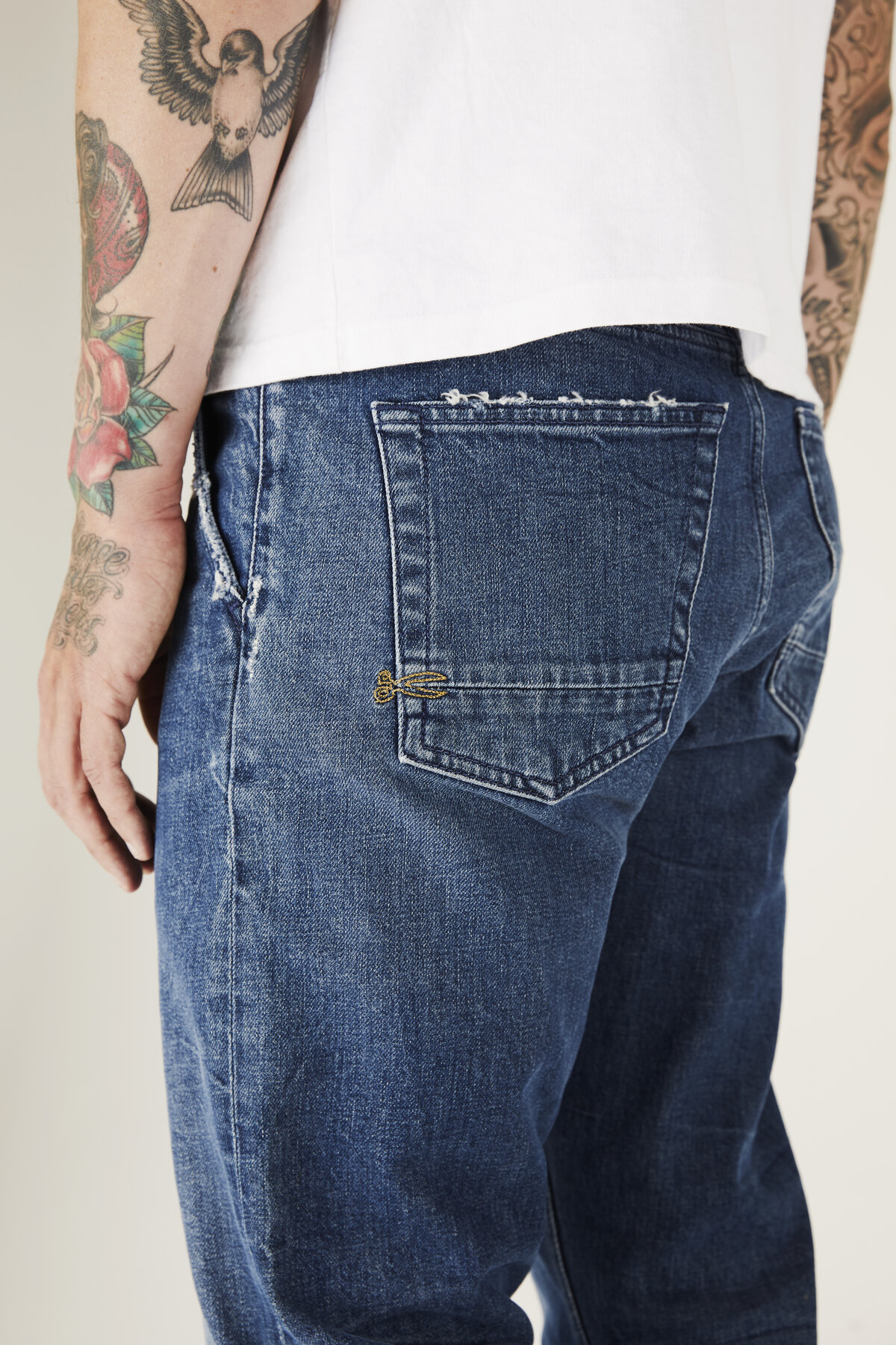 Osaka - Carrot Fit Jeans - Detail